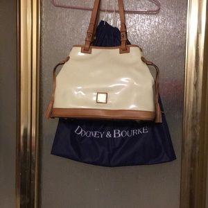 Patent leather Dooney and Bourke handbag